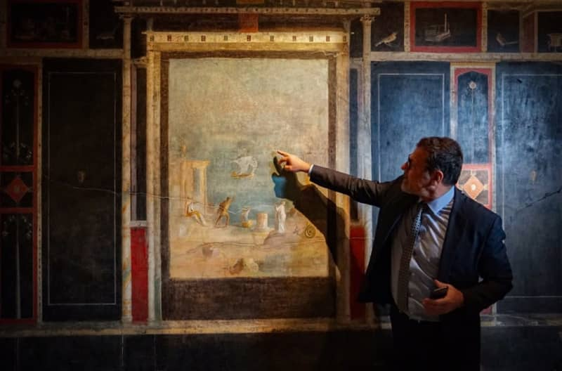 Pompeii restoration unearths 'surprise' treasures